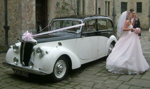 ccommons-Daimler_DB18Consort_e2_wedding_car3