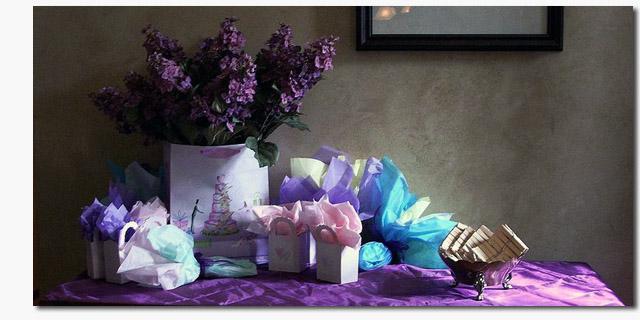 ccommons-SarahG-The_Gift_table
