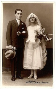 ccommons-Fred_C_Palmer_Swindon_wedding_couple_002